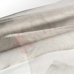 Tejido metálico para la mosquitera fija
