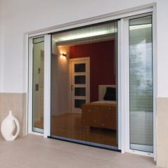 Mosquitera plisada exclusiva fabricada a medida | Vista en puerta